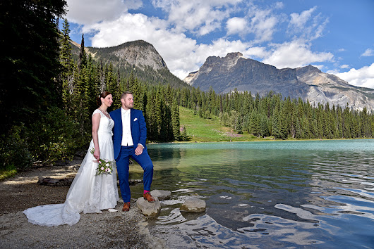 Elope in Banff: Elope in Banff & Emerald Lake, Destination Elopement Wedding Planner