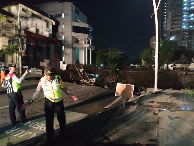 BREAKING NEWS! Jalan Gubeng Surabaya Mendadak Ambles, Begini Kondisinya
