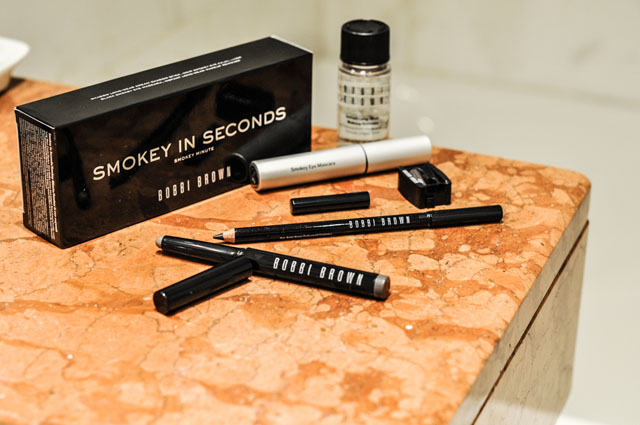 Bobbi Brown Smokey in Seconds