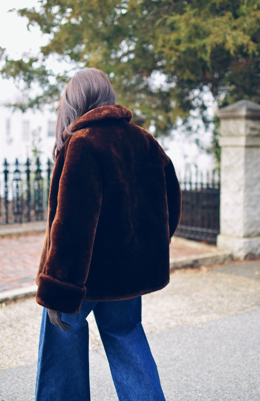 Crop fur coat street style