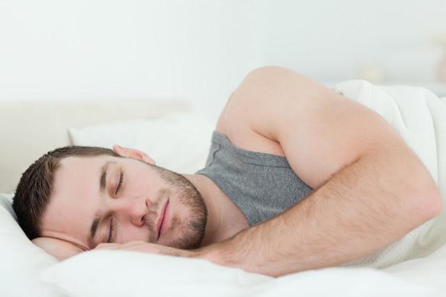 Terbukti! 9 Manfaat Tidur Mengiring Ke Kanan Seperti Sunnah Rasulullah S.A.W Rugi Kalau Tak Buat