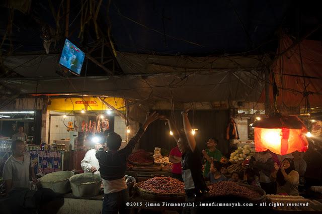 Keseruan NOBAR final Piala Presiden di Pasar Gudang Sukabumi