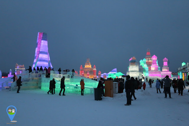 Feeling freezing at night at Harbin Ice Sculpture Exhibition in Heilongjiang, China