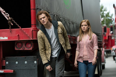 Lucas Till and Jane Levy in Monster Trucks (21)