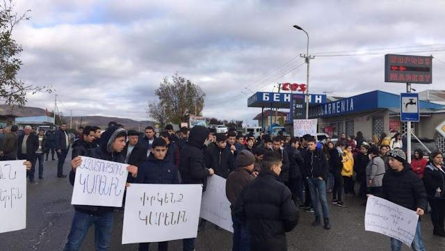 Familiares de cautivo cierran ruta entre Armenia y Georgia