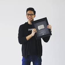 Empat Youtuber Handal berpenghasilan milyaran di Era 2018