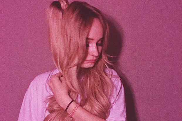 Cantora trans Kim Petras retoma carreira e novo single já é sucesso mundial