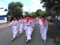 Gerak Jalan Indah Sambut Hardiknas di Kecamatan Bolo