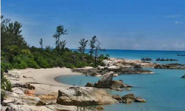 2. Pantai Tikus