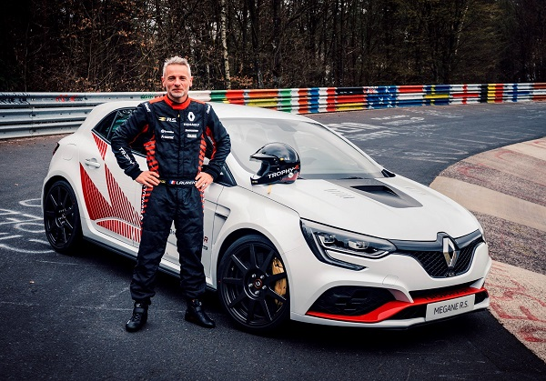 Renault Mégane RS Trophy-R récord Nurburgring Nordschleife