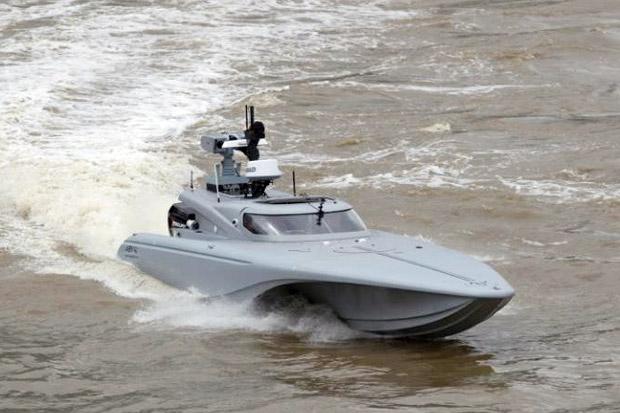 Angkatan Laut Inggris Uji Coba Speedboat Mata-mata Tanpa Awak