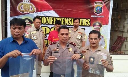 Polisi memaparkan penangkapan warga Tapteng yang edarkan upal di Medan.