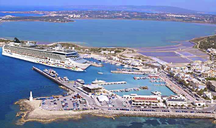 Crucero en Formentera (simulación de granuribe50)