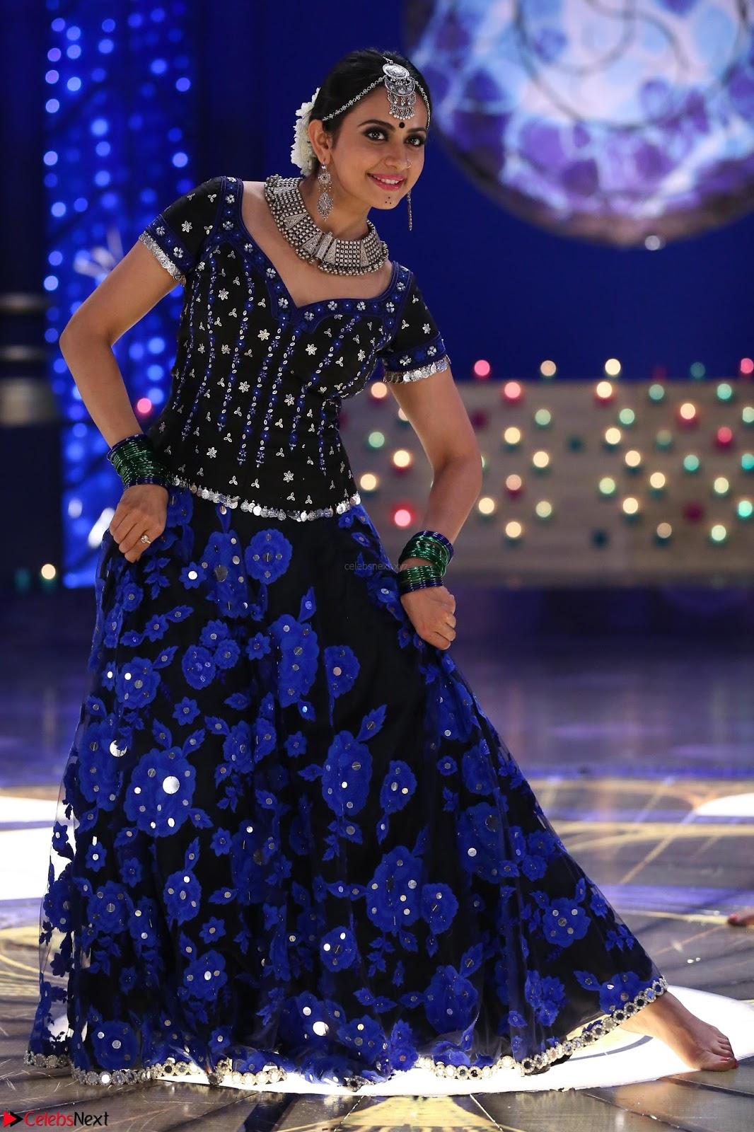 Rakul Preet Singh dance in Blue and yellow choli HD Pics from Movie Winner feb 2017