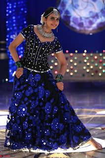 Rakul Preet Singh dance in Blue and yellow choli HD Pics from Movie Winner 003.jpg