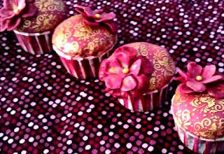 http://cupcakeluvs.blogspot.dk/2016/07/rose-velvet-cupcakes-eid.html