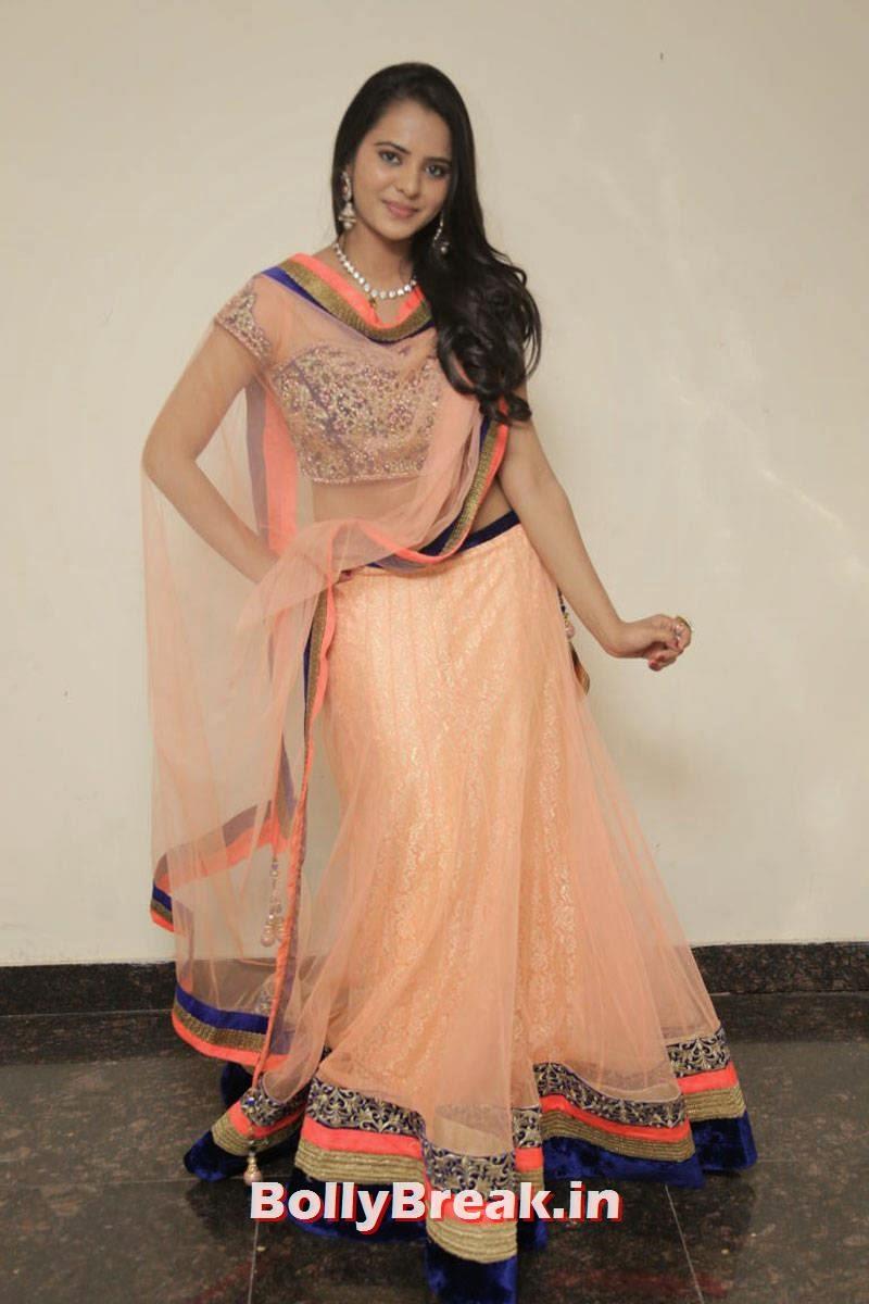 Manasa Photo Gallery with no Watermarks, Actress Manasa hot Photos in Backless Choli & Lehenga