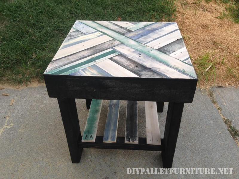 Mesas con cenefas hechas con palets - Mesas de palet ...