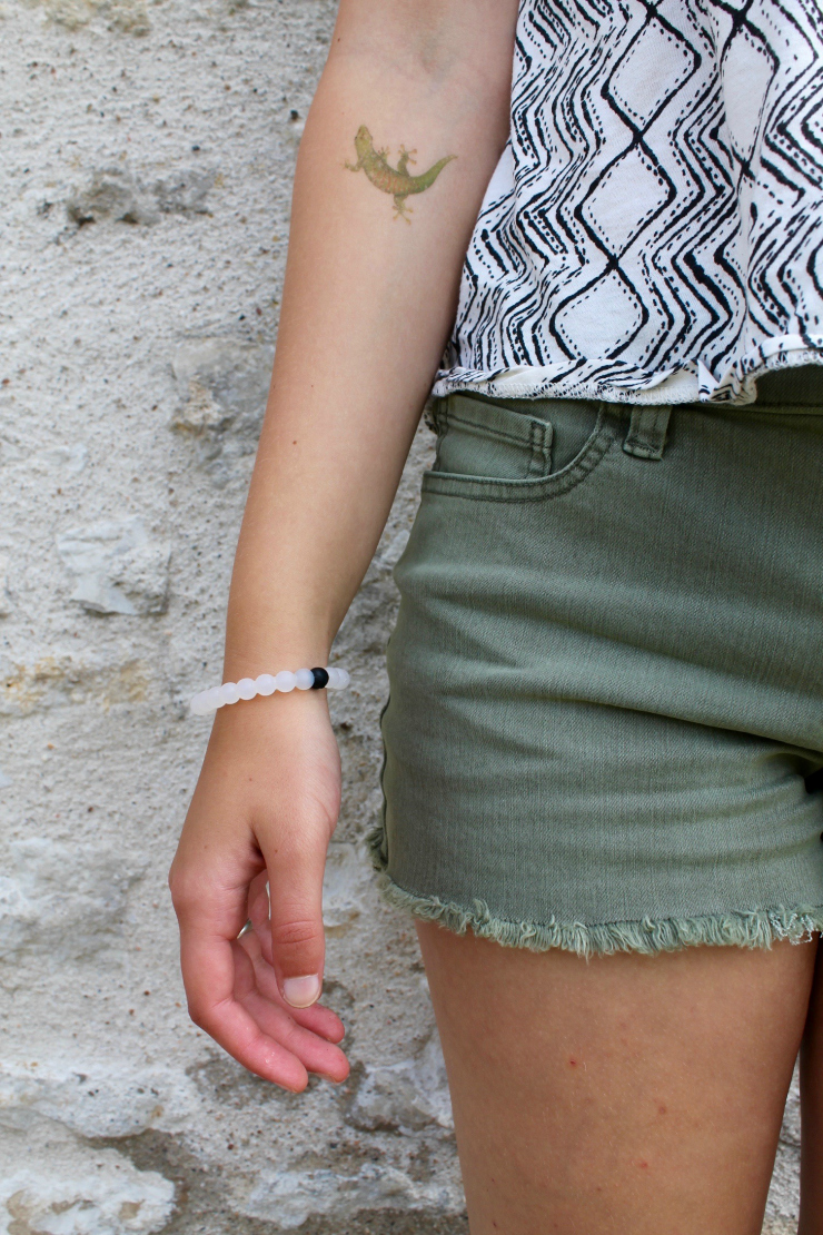 Summer outfit staple: olive colored shorts