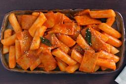 Cara Membuat Makanan Khas Korea Tteokbokki Pedas Nikmat