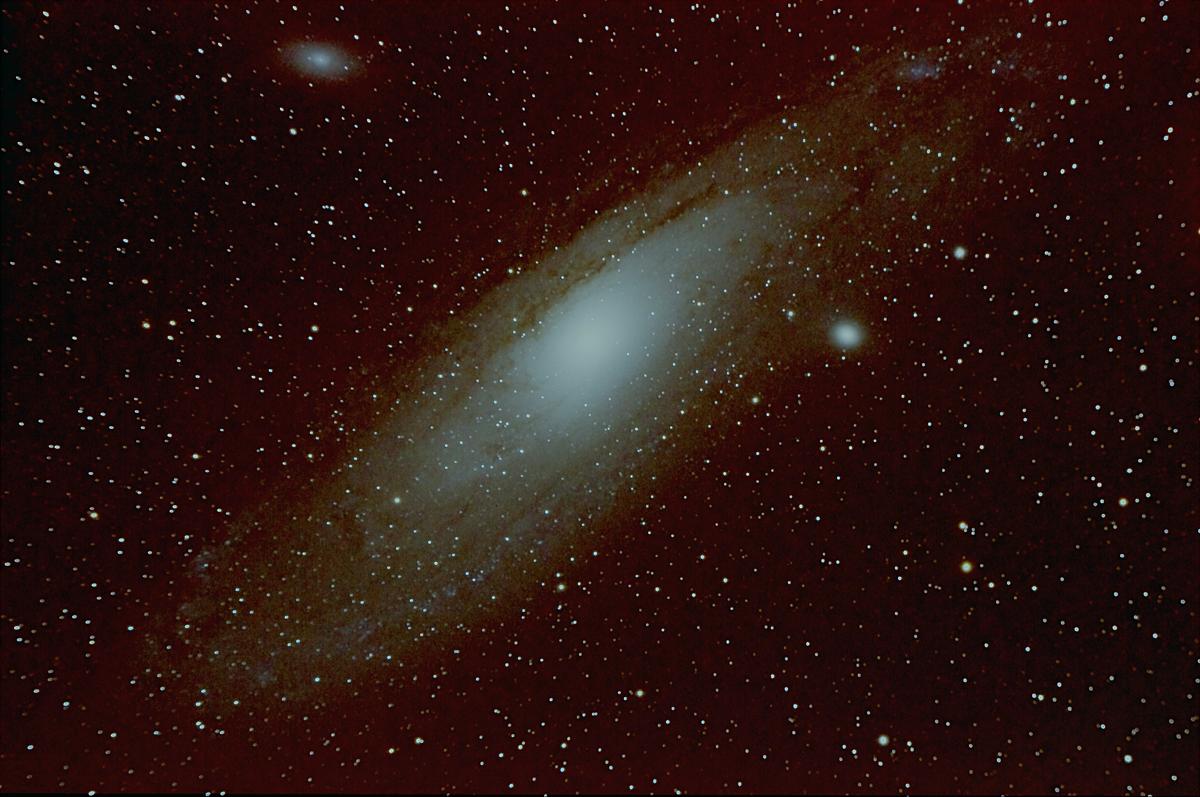 andromeda galaxy through telescope - HD1200×797