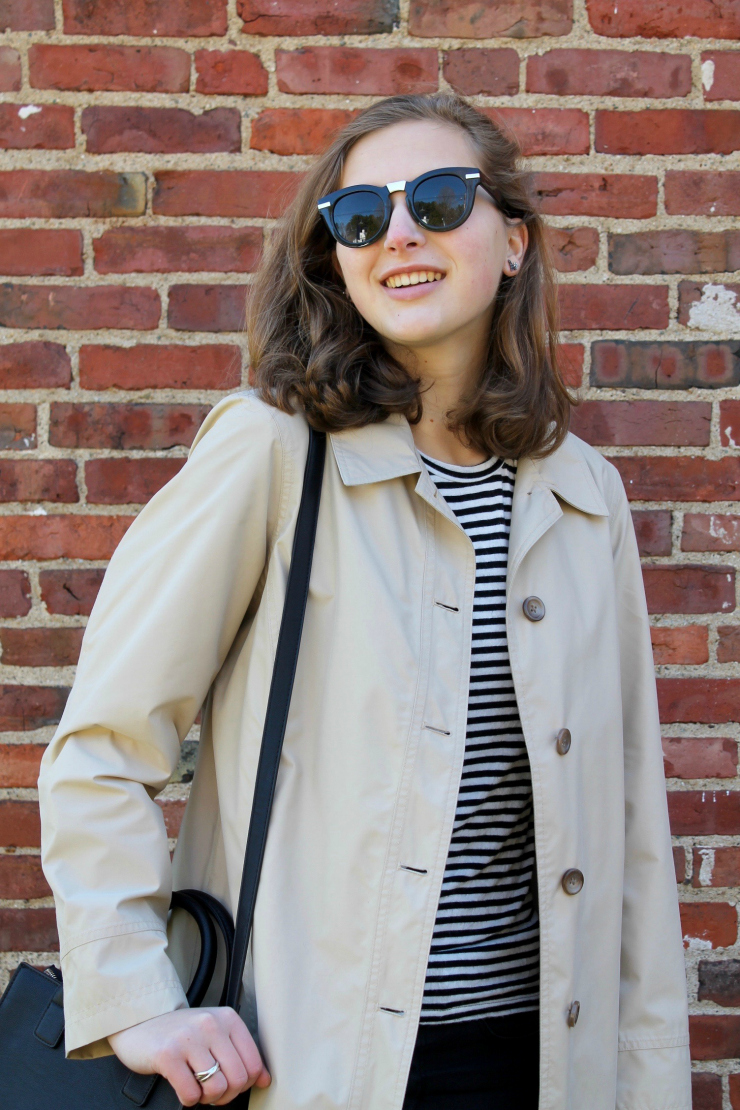 Chic weekend look [classic trench coat, striped tshirt, black skinny jeans and a nice black bag]