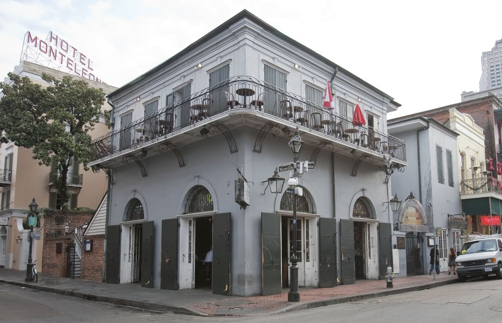 Haunted nation old absinthe house new orleans la the for Classic house green street