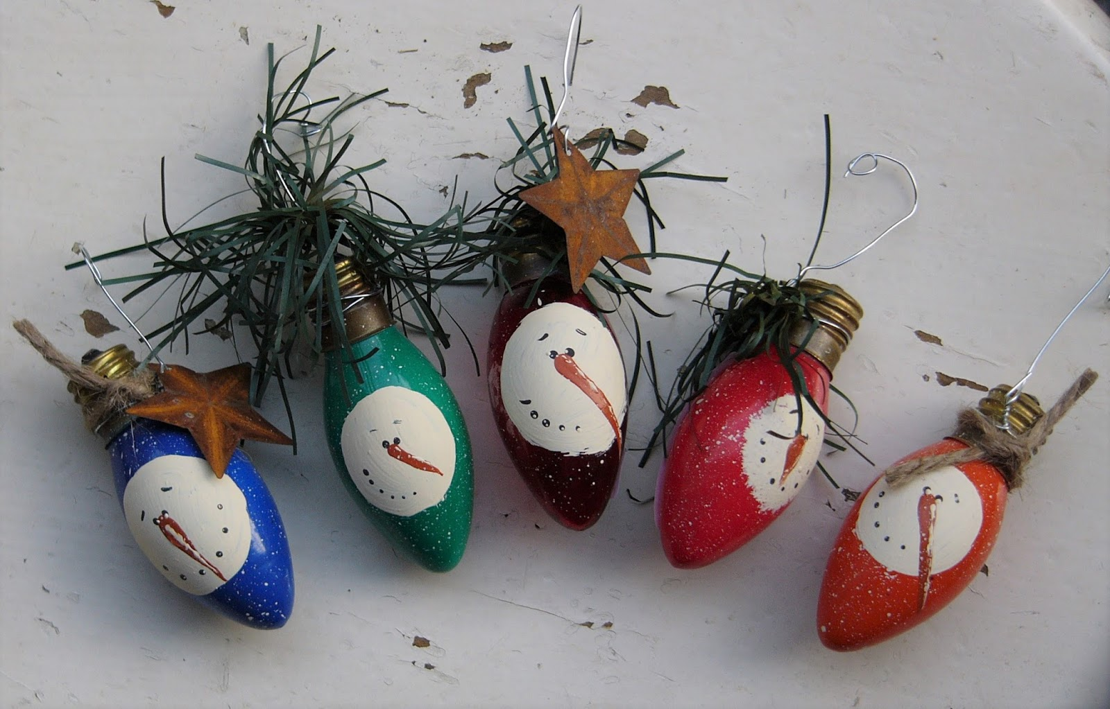 Craft booth 555 diy recycled christmas light bulbs into for Clear christmas bulbs for crafting
