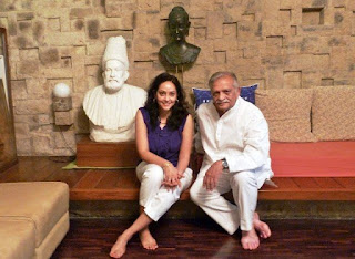 Meghna Gulzar with father gulzar