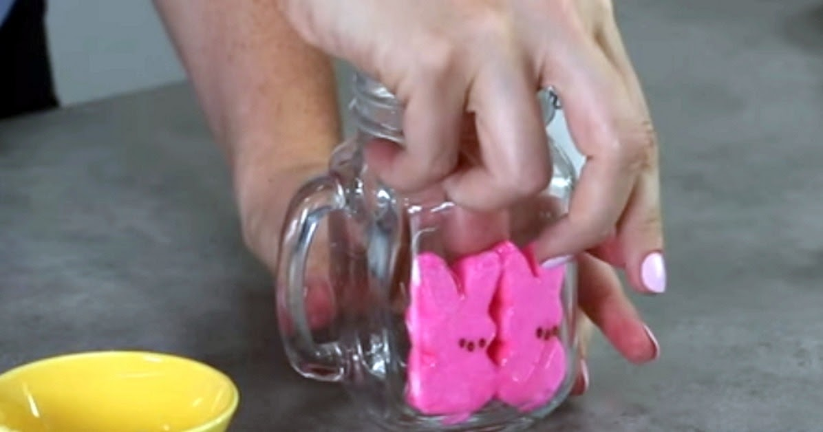 How To Make A Yummy Easter Peeps Milkshake - DIY Craft Projects