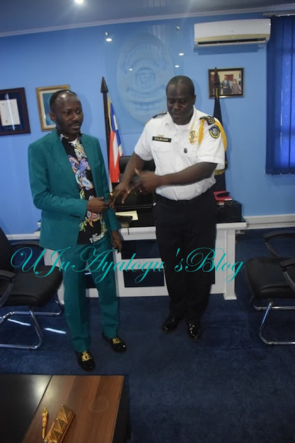 Apostle Suleman Prays for Inspector General of Police (See Photos)