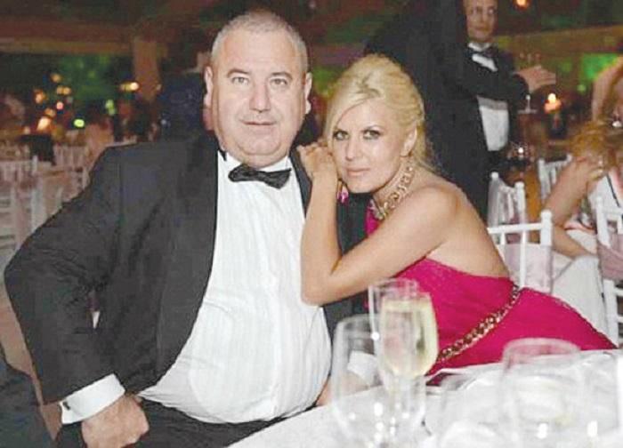 Averea Elenei Udrea a crescut după ce a divorțat de omul de afaceri Dorin Cocoș. În Topul miliardarilor din 2014, Elena Udrea se află pe locul 335, cu o avere de 10 milioane €.