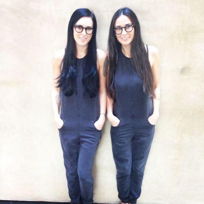 2 – Demi Moore (54 anos) e sua filha