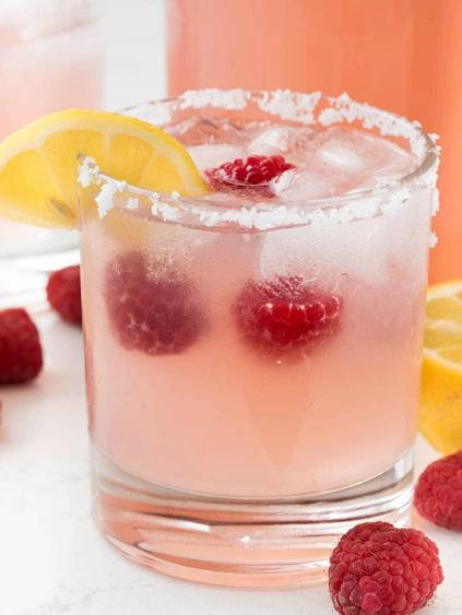 RASPBERRY LEMONADE MARGARITAS #drink #margaritas #lemonade #sangria #cocktail