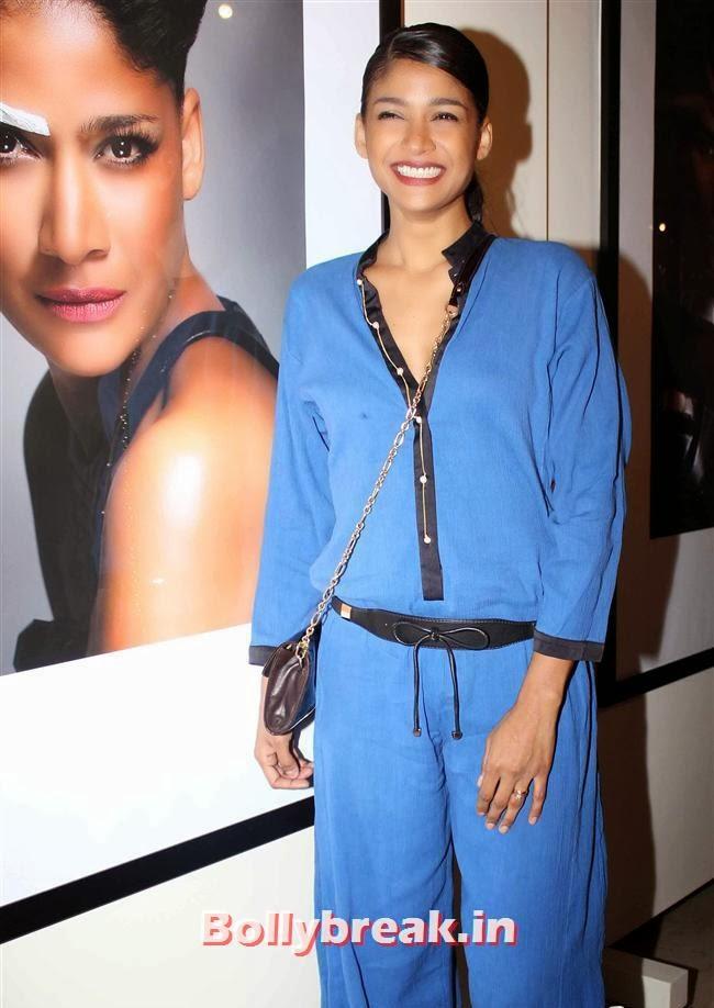 Carol Gracias, Hot Bollywood Actresses at Vikram Bawa Calendar Launch