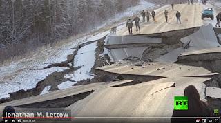 الزلزال يشق الأرض بولاية ألاسكا الأمريكية