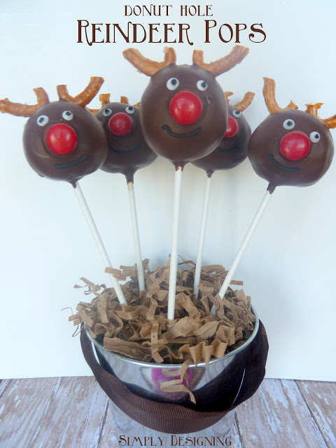 reindeer donut pops 01a 20 Festive Holiday Treats 59
