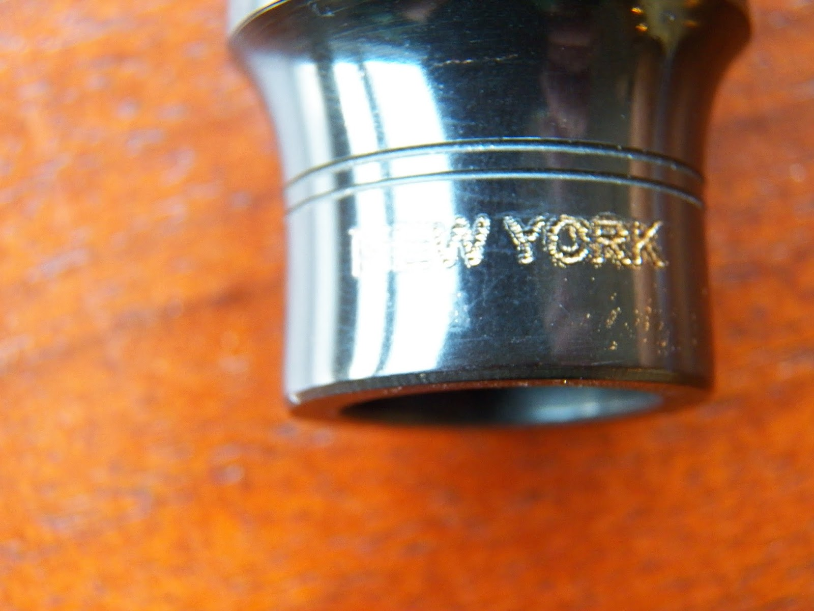 FI416 6 Settings 8x6mm Heart Border 2 Loops Brass Ox