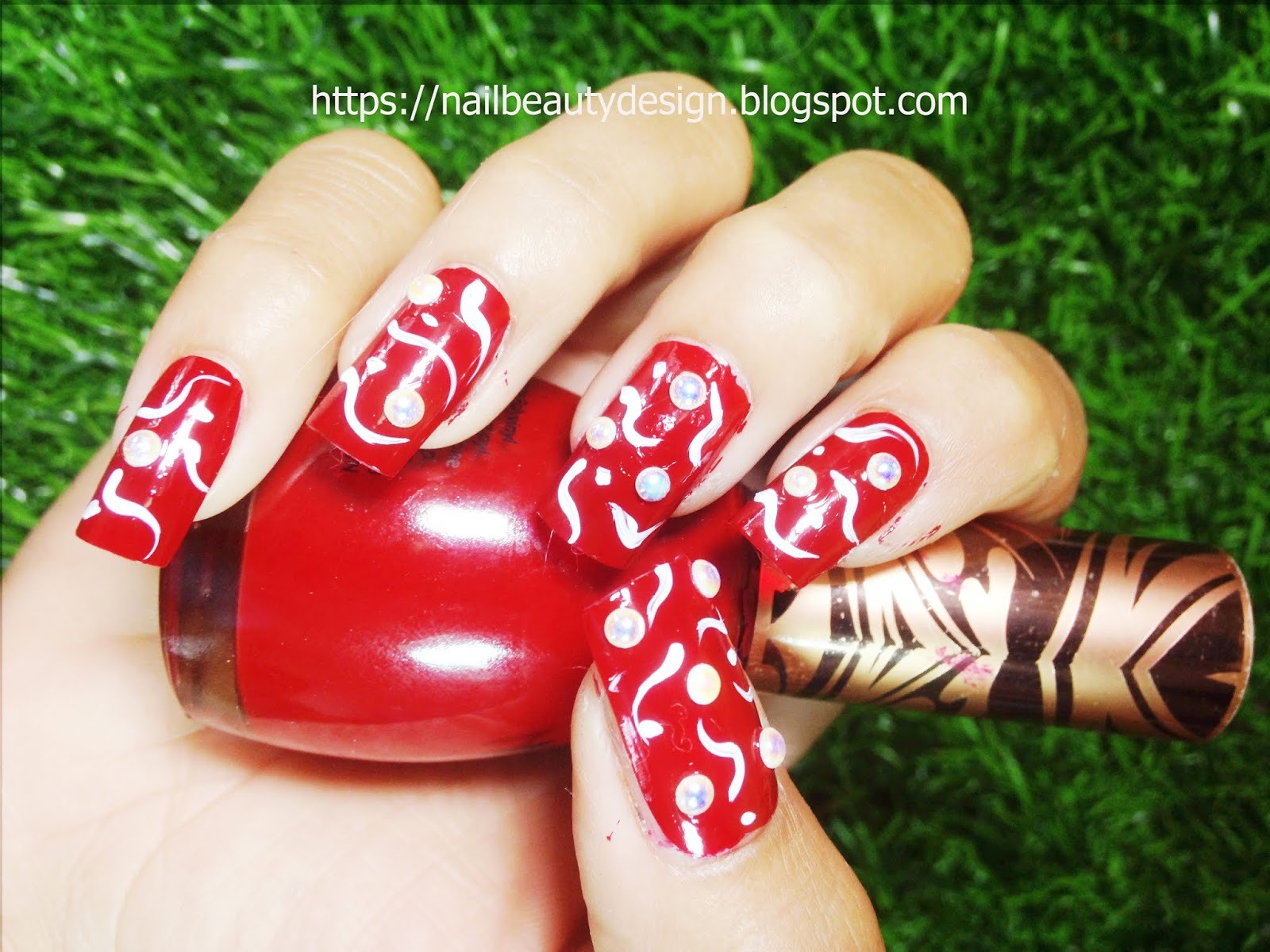 Simple Beautiful Nails Art Designs You Can Try At Home 3 Nail