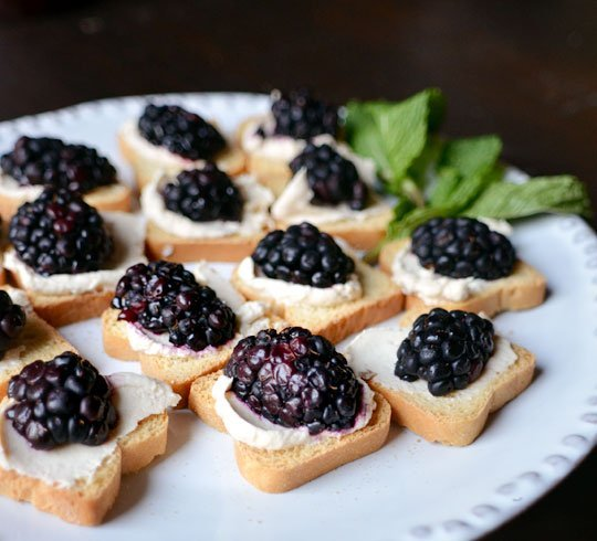 Blackberry Goat Cheese Ball Recipe