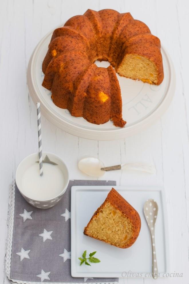 Bundt cake con mango y coco