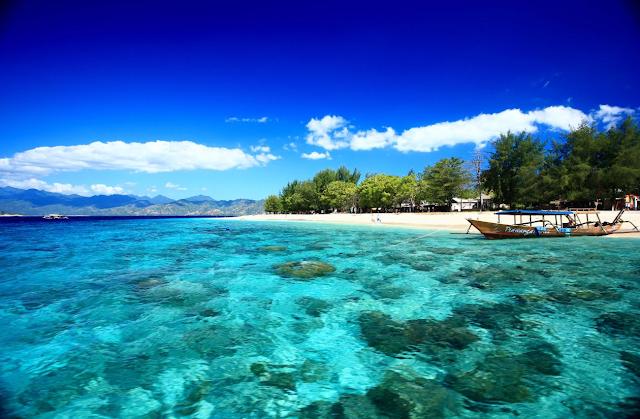 Pantai di Indonesia Yang Wajib Didatangi Tahun 2017 - Kepulauan Gili NTB