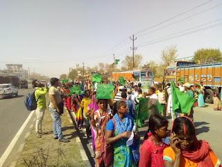 tribal-foot-march-for-van-adhikar-law