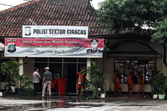 Polri Belum Pastikan Pembakar Polsek Ciracas Anggota TNI