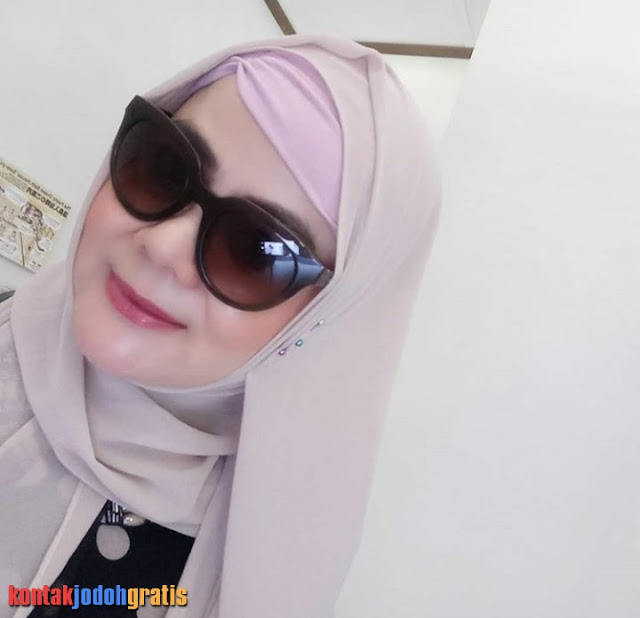 Aura Andriani Janda Muslim Cari Calon Suami Setia