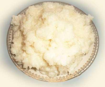рис - 1 стакан; рис лучше взять круглый краснодарский , с ним каша будет вязкой; молоко - 2 стакана; вода - 1 стакан; сахар - 1 ст.л; ванилин - 1/8 ч.л; соль - 1/4 ч.л;