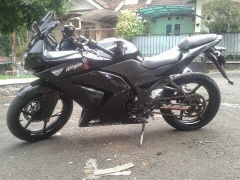 Kawasaki Ninja 250R Plat D Tahun 2009 Surat Lengkap