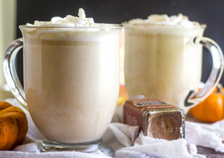 Slow Cooker Pumpkin White Hot Chocolate #hotdrink #chocolate