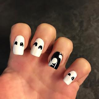 tutorial su come creare unghie con il fantasma per halloween
