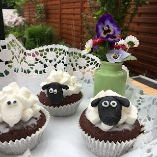 Schaf-Cupcakes, Schafsmuffins, Backmischung, Hema, Details auf Kinderbuchblog Familienbücherei